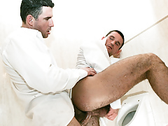 Student buddies Tim Black and Wattle Stevans fuck in a bath daddy gay movies