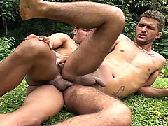 Sexy guys fucking and sucking each other's cocks off !