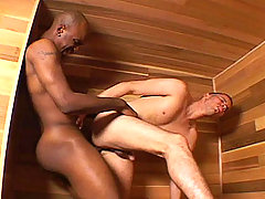 Twink get his tight ass fuck by that black dude in here !